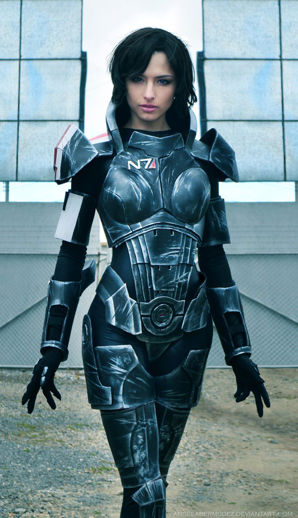 Mass Effect Cosplay: 12