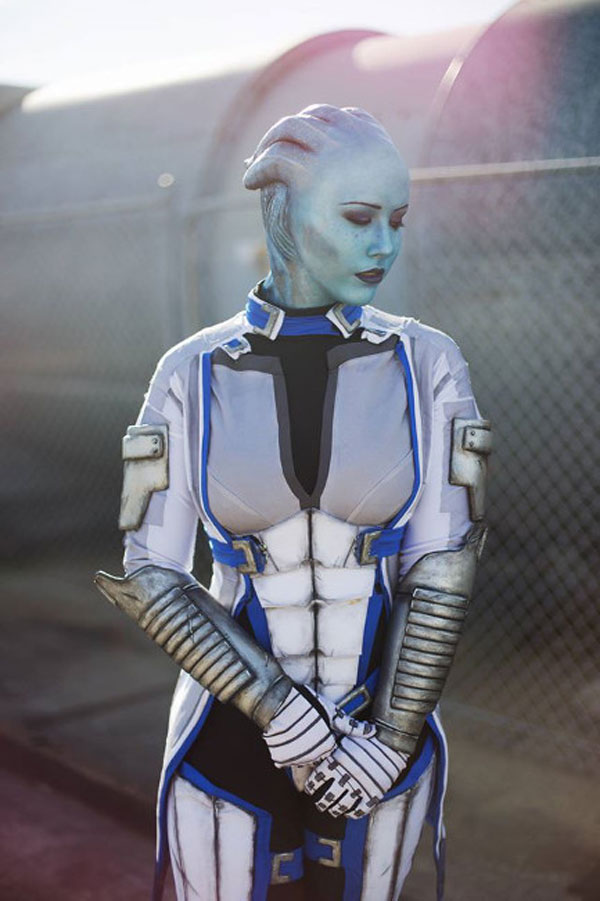 Mass Effect Cosplay: 16