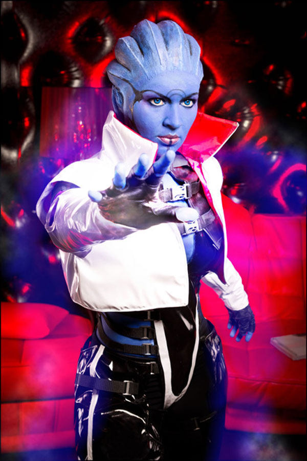 Mass Effect Cosplay: 9