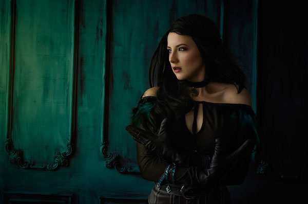 Yennefer: The Witcher Cosplay 1
