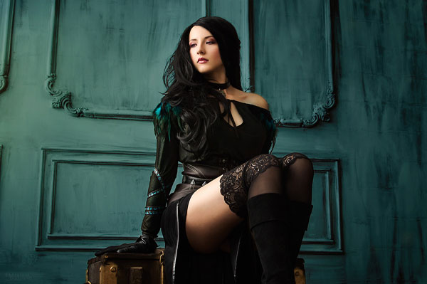 Yennefer: The Witcher Cosplay 3