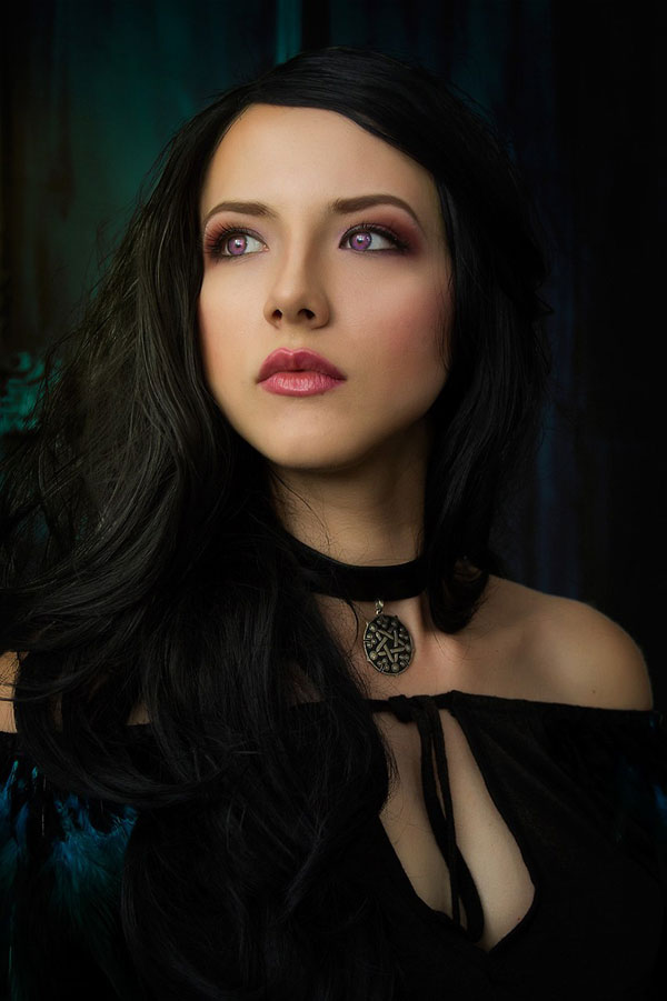 Yennefer: The Witcher Cosplay 5